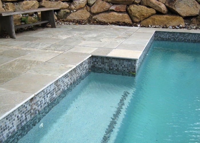 Carrelage quartzite terrasse piscine