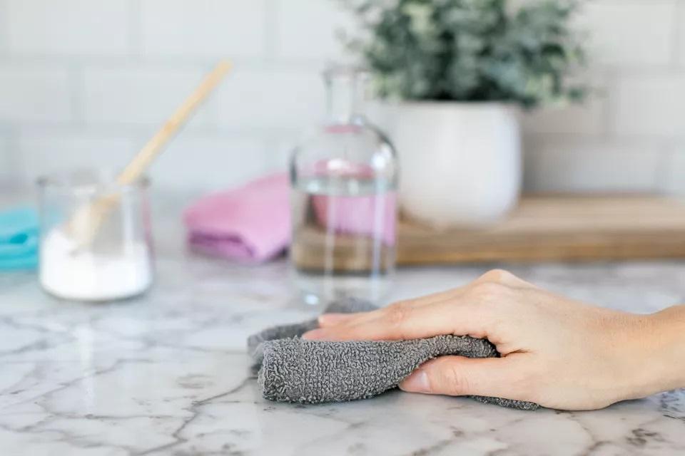 Comment nettoyer le marbre et le faire briller astuces